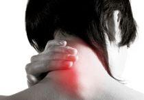 Почему возникает хруст в шее при поворотах головы: полное описание патологии, лечение