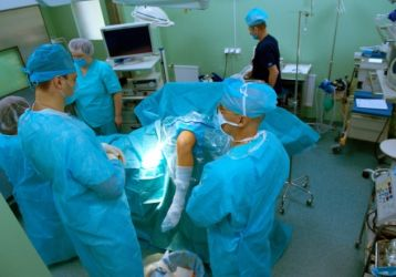 Замена коленного сустава: подготовка и ход операции