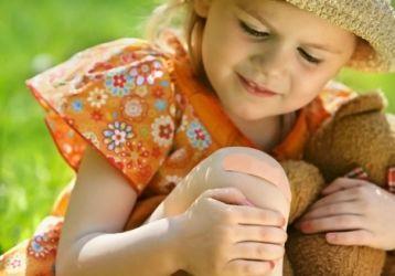 По каким причинам у ребенка болят колени, диагностика и методы лечения патологий