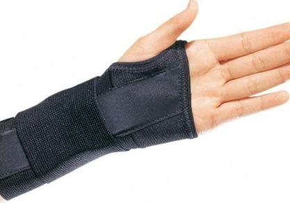 Виды ортопедических лангеток на руку, отличия от гипса, как их накладывать