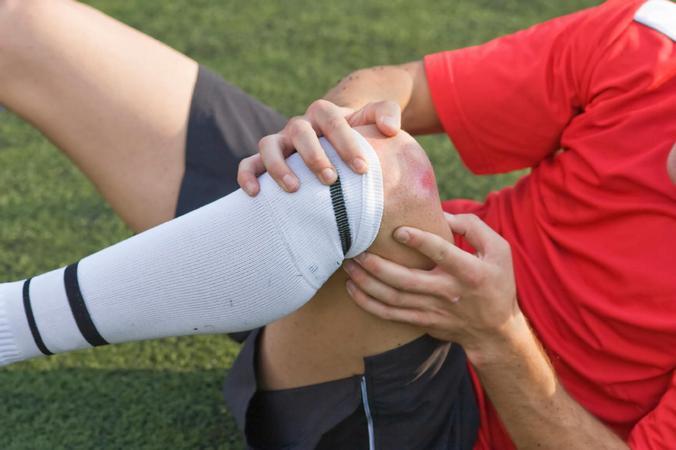 5 причин припухлостей под коленями и их лечение