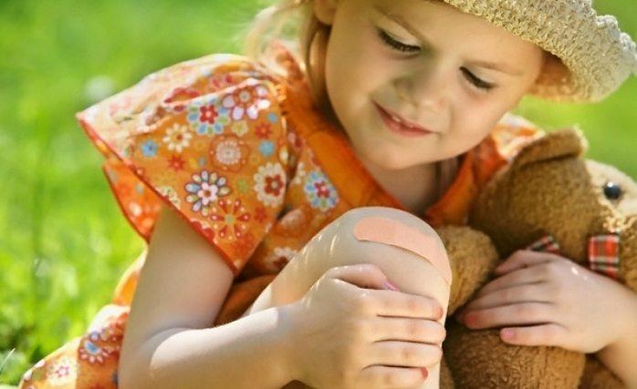 Ушиб колена у ребенка