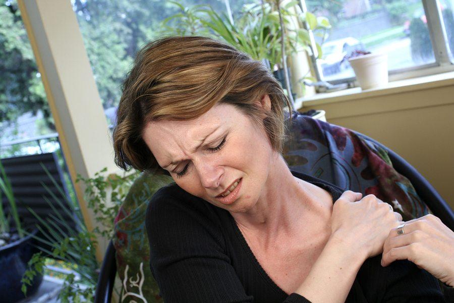 Боли при вывихе плеча