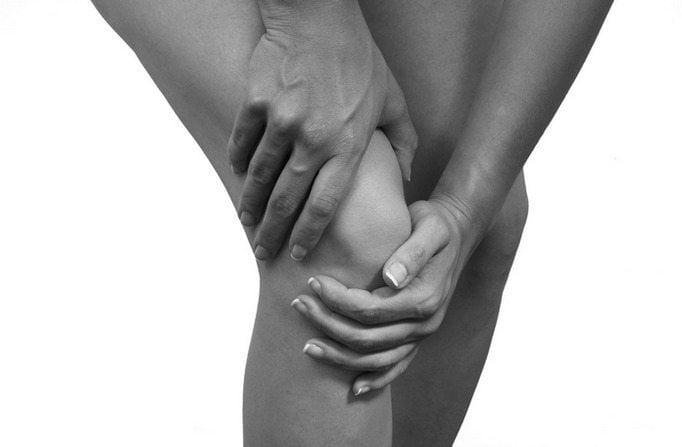 Хруст в коленях: почему хрустят колени при сгибании и разгибании