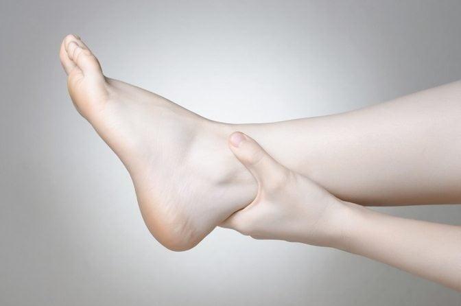 Припухлость голеностопа