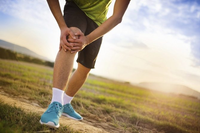 Боли в колене при ходьбе