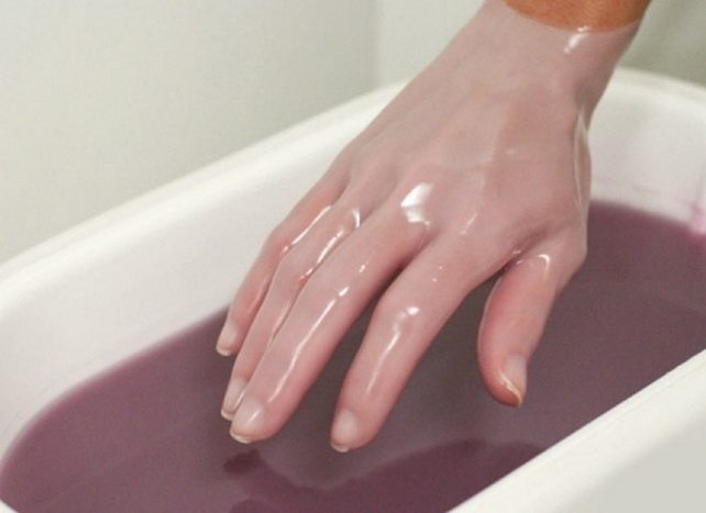 Парафинотерапия кисти руки