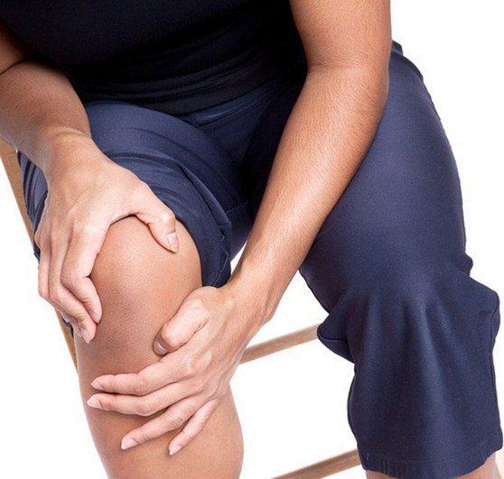 Боли сбоку колена