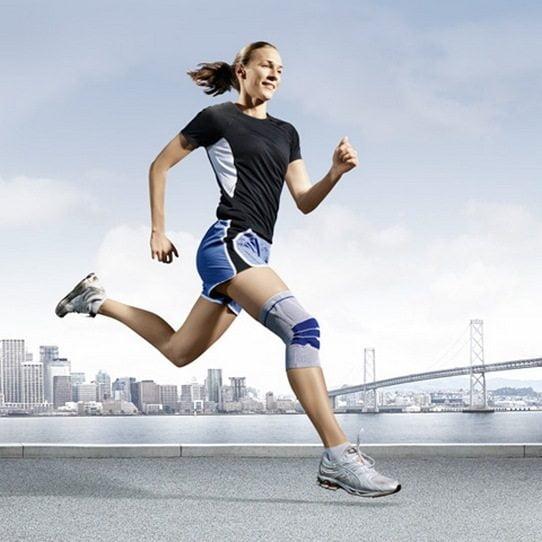 Бег с коленным ортезом