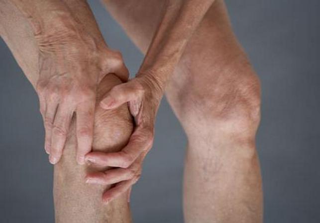 Скованность в колене при гонартрозе