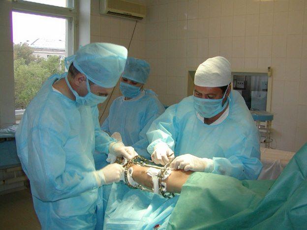 Операция по удалению кисты колена