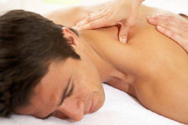 massazh-pri-osteoxondroze-shejnogo-otdela