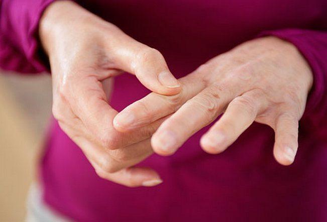 Боль в суставах пальцах рук