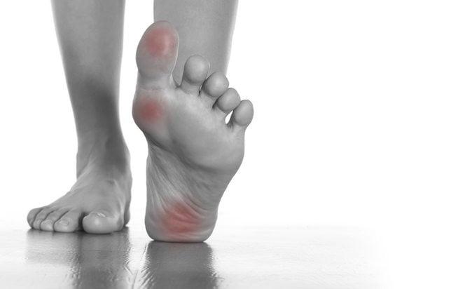 Боли в ступнях и пальцах